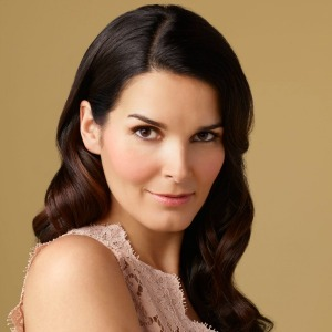 Angie Harmon in Pink